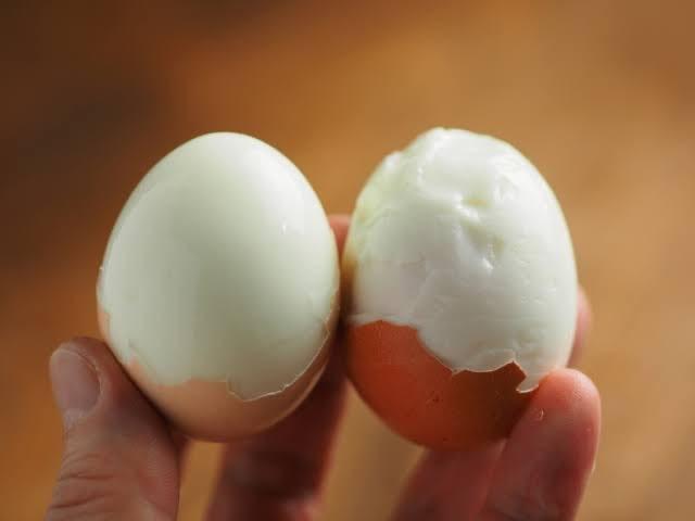 ゆで卵 殻むき